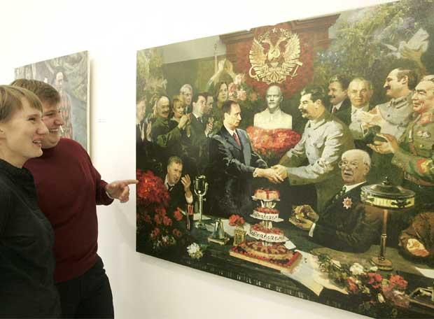 http://www.elboomeran.com/upload/fotos/noticias/stalin_putin_grande.jpg